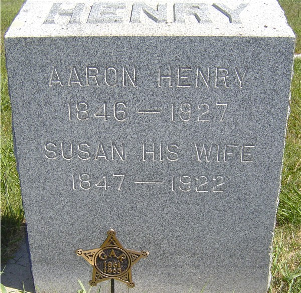 aaron-henry-headstone-photo-beverly-van-lund